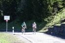 Wolfgang und Reiner erreichen die Passhöhe